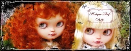 Antique Shop Dolls